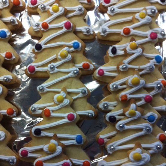 xmas tree biscuits